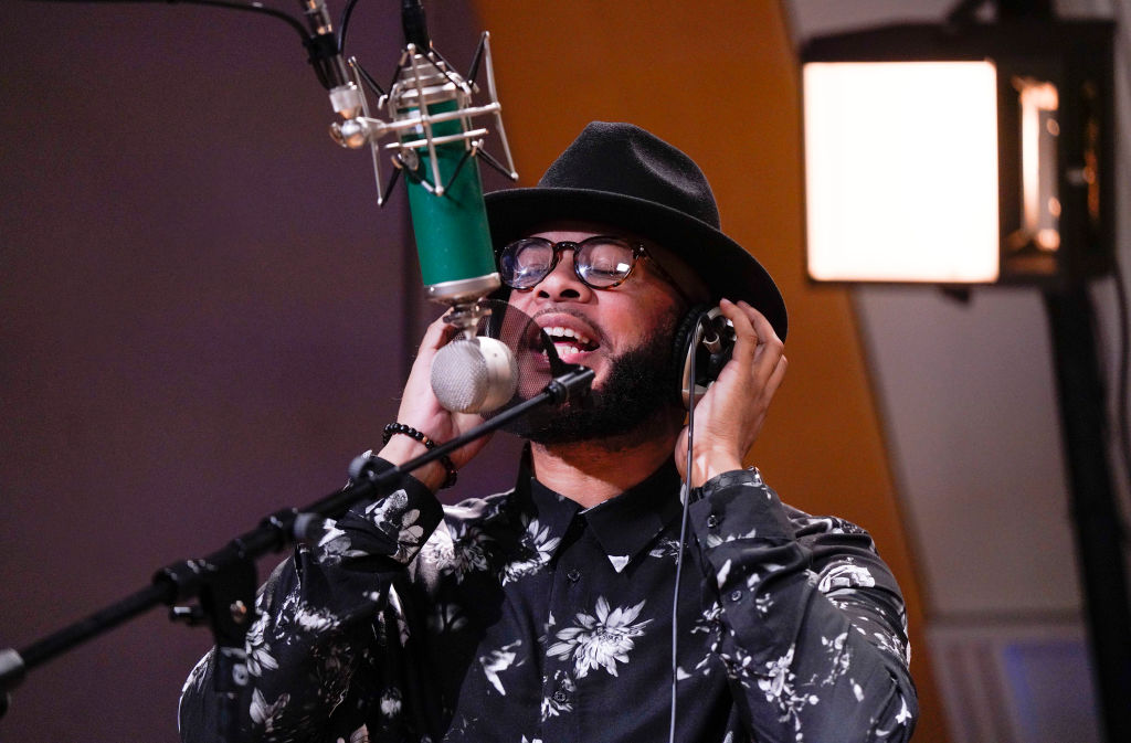 James Fortune Performs For SiriusXM Kirk Franklin's Praise
